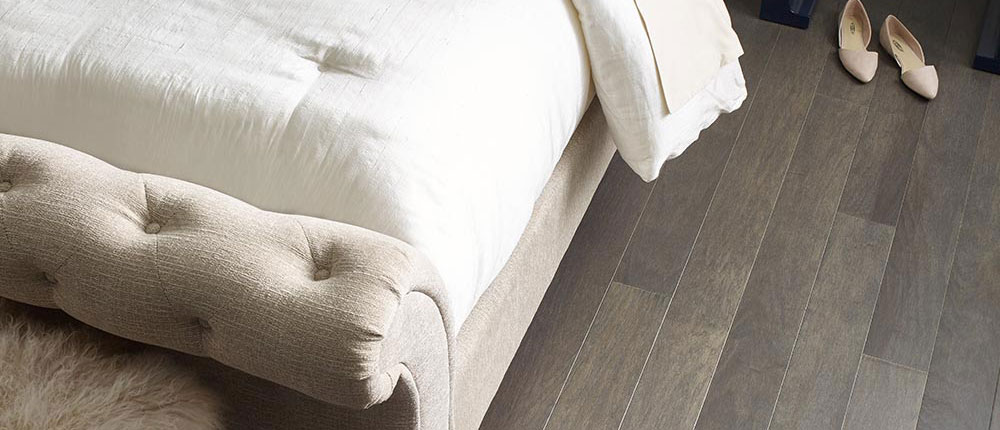 Northington-Smooth-2W747-05054-Greystone-Urban-Glamour-Wood-Detail-V